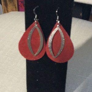 # Red Earrings 2 for 10$